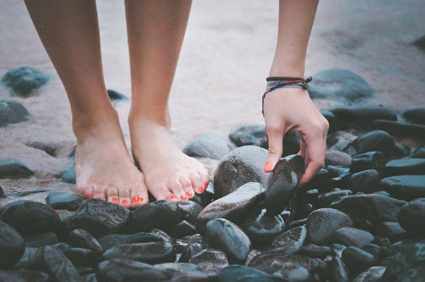 7 helppoa tapaa päästä eroon kielteisistä ajatuksista