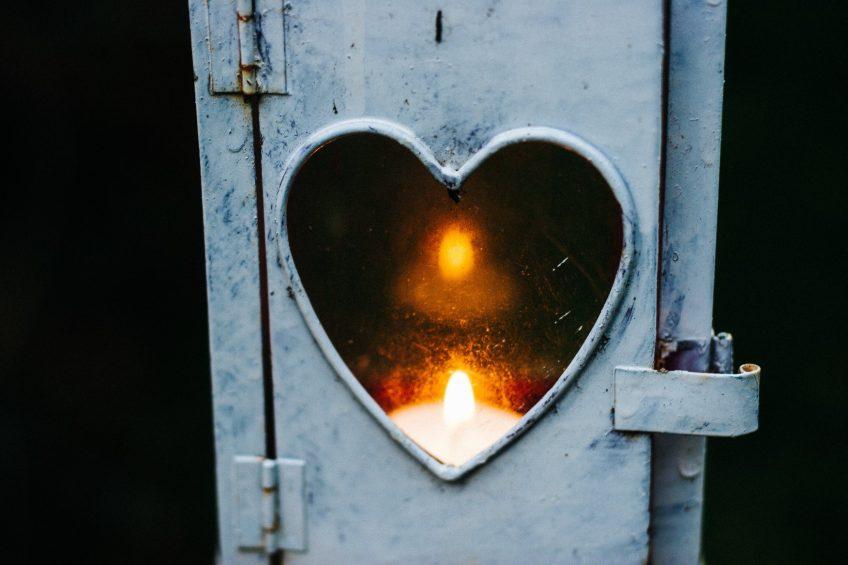 Polku ehdottomaan rakkauteen